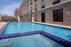 Arlington Texas Hotel Outdoor Swimming Pool